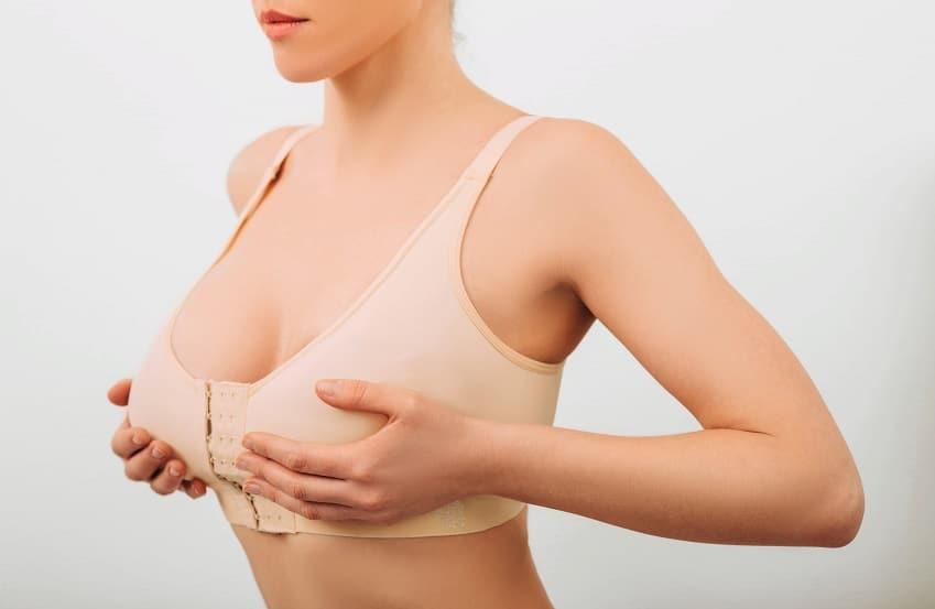 Brustvergrößerung und Bruststraffung Karlsruhe